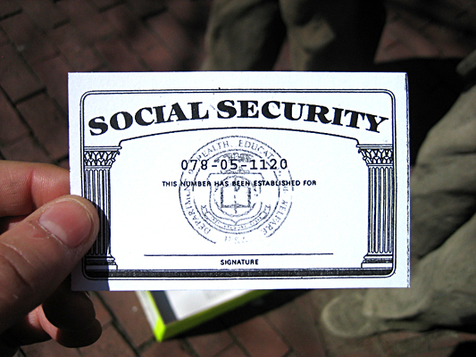 how to write social security number Q last year i noticed online applications starting to ask for an applicant's social security number apparently if i don't submit the number, i can't go any.